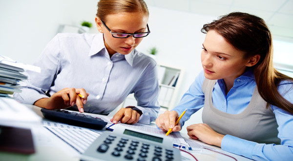 what are the duties of an accountant in an organisation